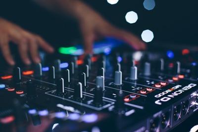 devon-dj-wedding-disco-party-bride-groom-entertainment-8
